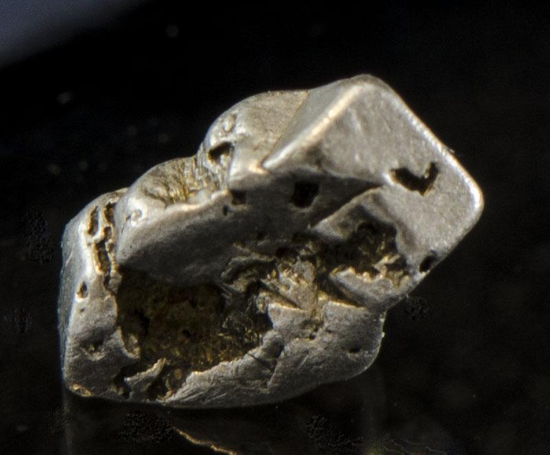 Platinum crystal
